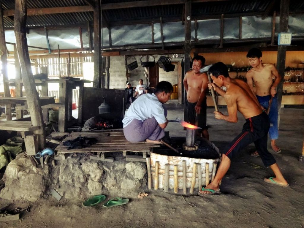 photo 3_Inle_Lake_Myanma Forging Work