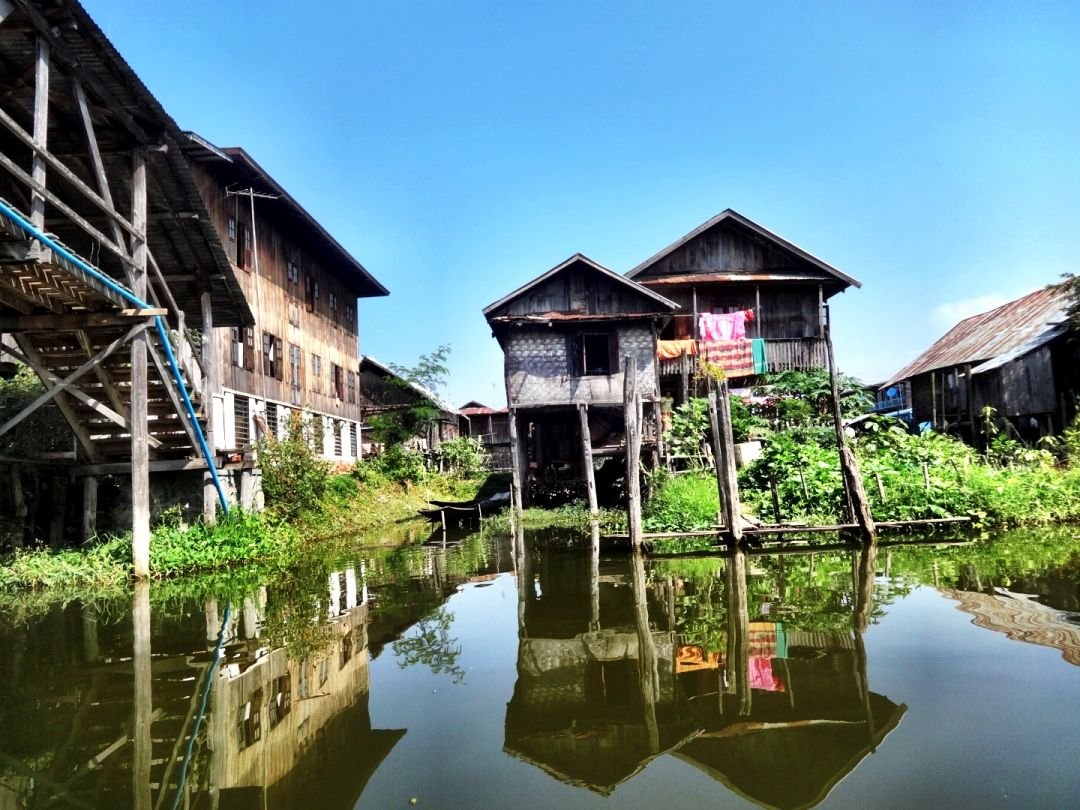 A Day on Inle Lake, Myanmar, with Location Map