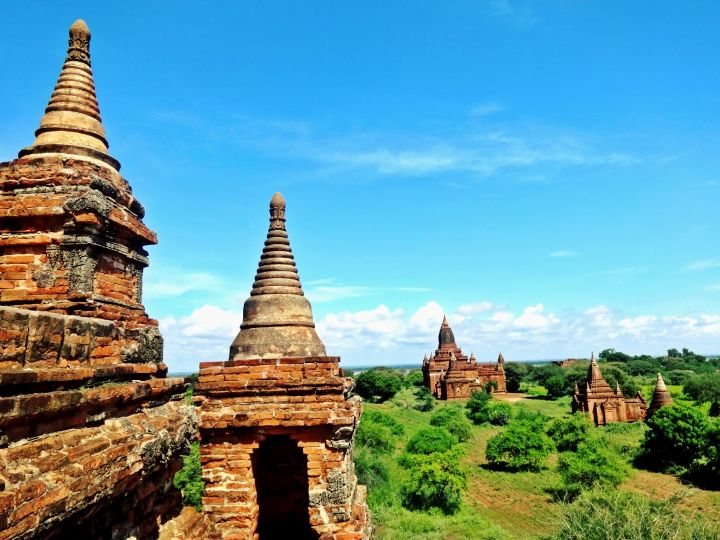 Exploring Bagan's Temples of Myanmar! Travel Info & Hot Air Ballons?