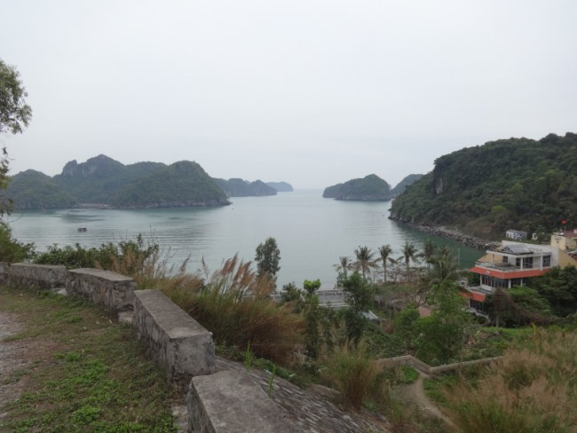 Vietnam Backpacking Cat Ba